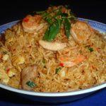 Nasi met kip en garnalen